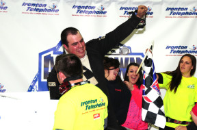 Eddie Reeder of Harmony, NJ picked up the victory in the 20 Lap Slinger Warehouse Feature event (Photo: Jim Smith)